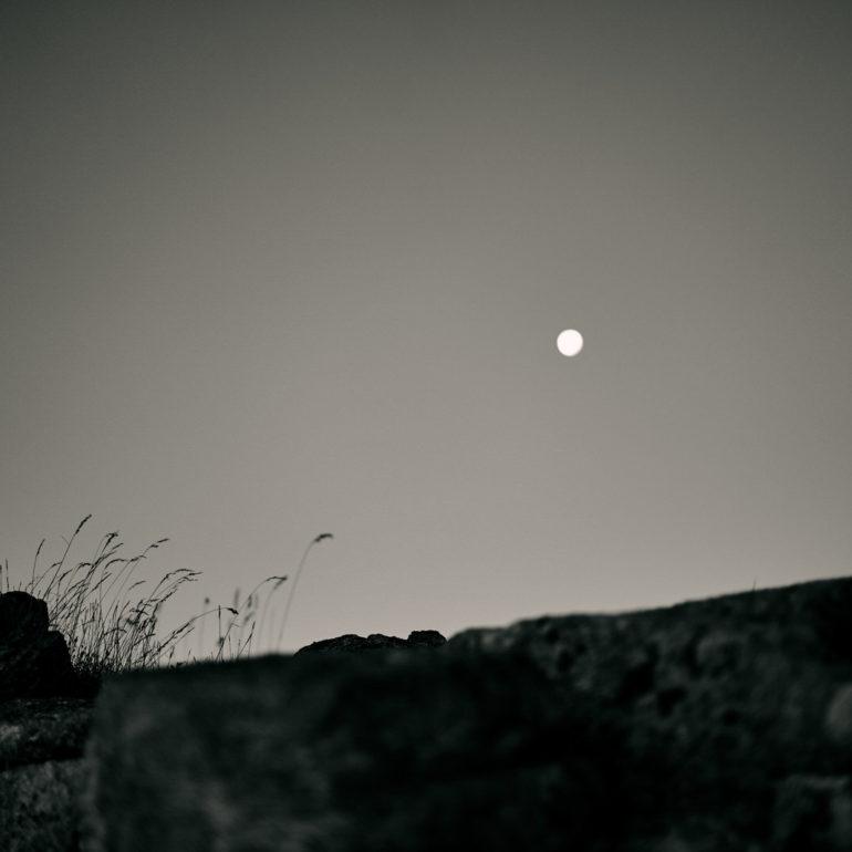 noir-blanc-montagne